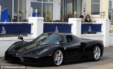 Ferrari Enzo, un poco roto