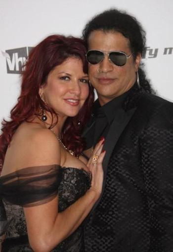 Slash y su mujer, Perla Hudson