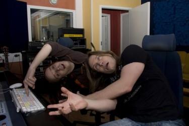 Jani Liimatainen y Timo Kotipelto en estudio