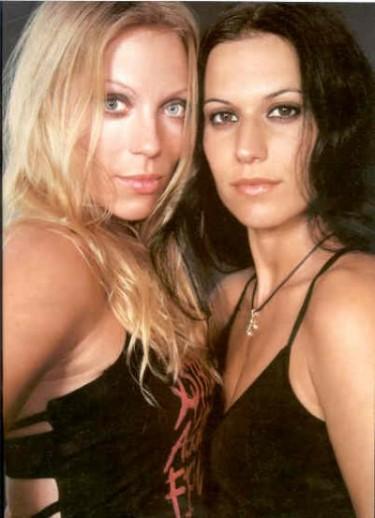 Angela Gossow y Cristina Scabbia