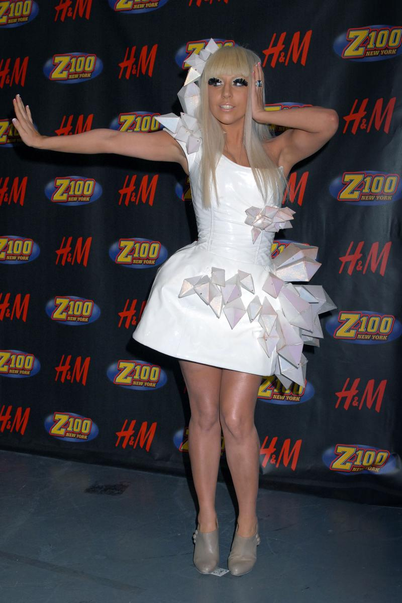 Music » Lady Gaga - Wonderland (Deluxe Edition 2010)