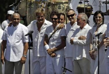 Juanes, Miguel Bosé, Víctor Manuel y otros artistas en Cuba