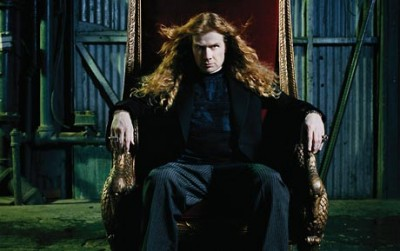 Dave Mustaine sitting on a throne, s-i-t-t-i-n-g...