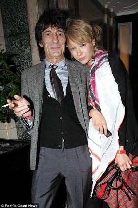 Ronnie Wood y Ekaterina Ivanova