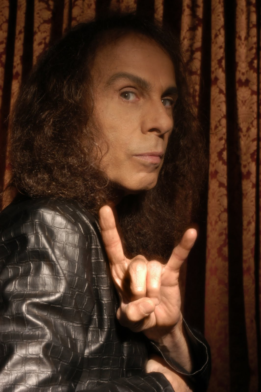 Ronnie-James-Dio4.jpg