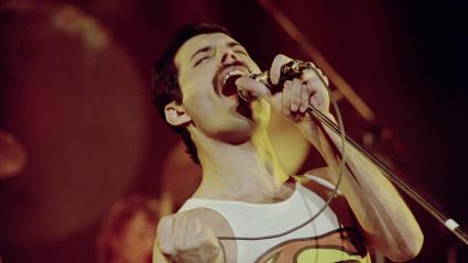 http://tanakamusic.com/wp-content/uploads/2010/11/Freddie-Mercury1-425x239.png