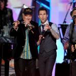 Beach Boys y Adam Levine