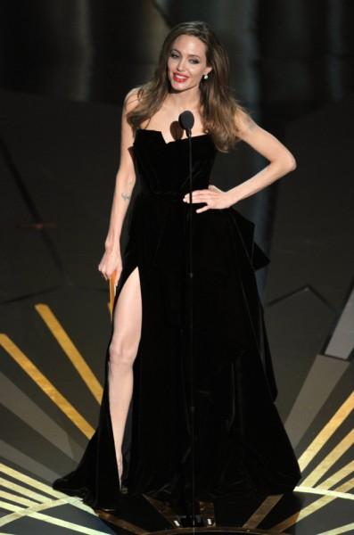 La pierna de Angelina Jolie