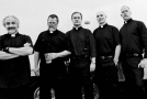 Faith No More presentan en directo dos nuevas canciones que podrían derivar en un futuro disco